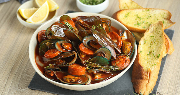 Mussels and Chorizo in Herbed Tomato Sauce Recipe