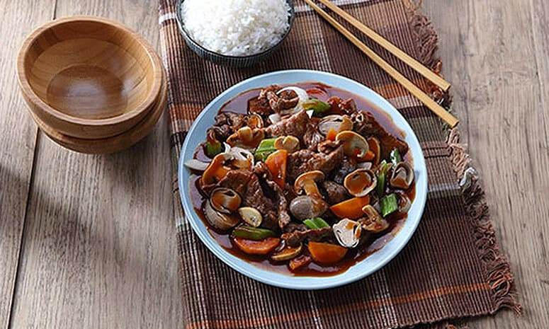 Beef With Two Kinds of Mushroom Recipe