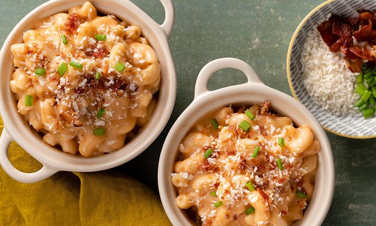 Creamy Sriracha Mac & Cheese Recipe